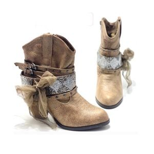 NOT RATED- stud/beaded/garland booties NWOT